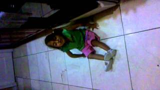 Mi sobrina marelyn cantando la cancion de teresa