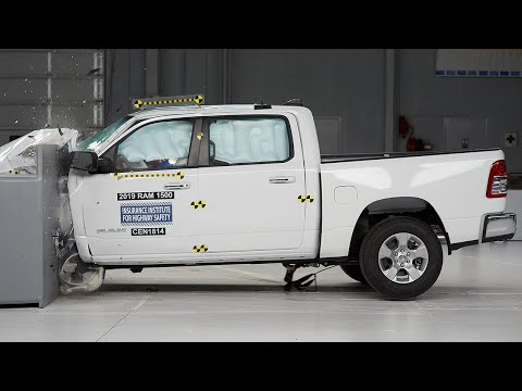 2019 Ram 1500 Driver-side Small Overlap IIHS Crash Test