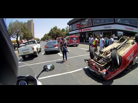Vlog 009 - Traffic collision in front of Honda Wing Central in Bloemfontein