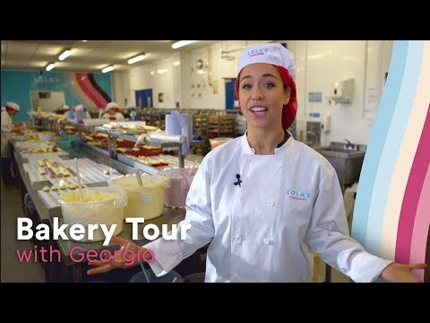 Lola's Cupcakes Bakery Tour With Georgia's Cakes!