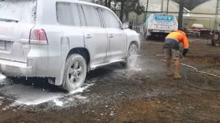 Landcruiser touchless clean with Nerta Jumbo