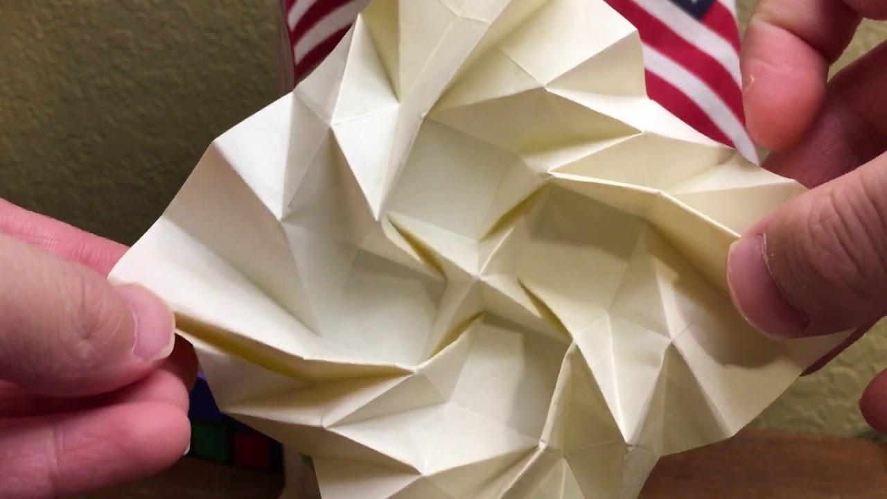 Amazon.com - DIYthinker Red Abstract Christmas Hat Origami Desktop ... | 720x1280