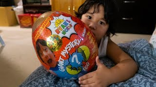 Opening Giant GOLD Mystery Egg! Play Date with Ryan Toysreview Ryan