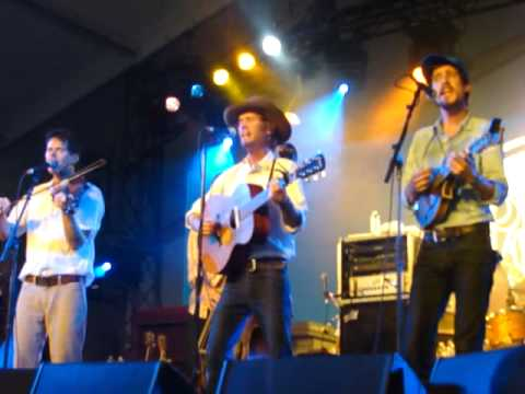 Good Lookin' Country Gal - Old Crow Medicine Show - Hangout Festival 2011