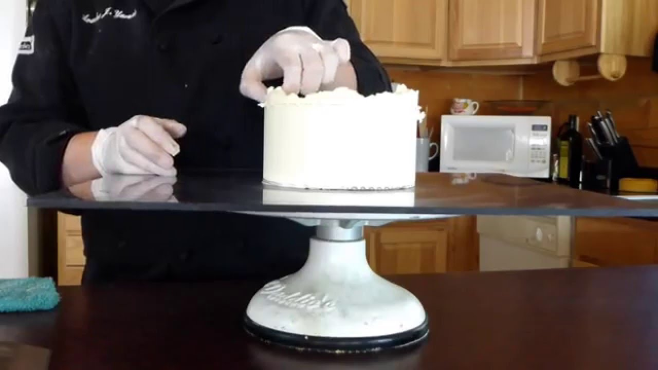 How To Create Sharp Edges On Buttercream Sewing Gauge Icing Cake Technique Avalon Cakes Tutorial Youtube