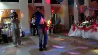 Стриптиз на свадьбе с подтанцовкой