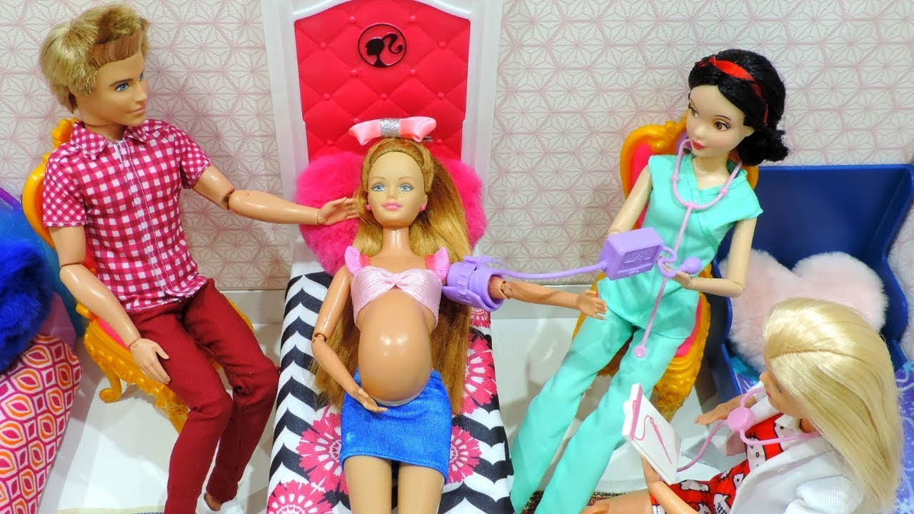 BARBIE DOCTOR DOLL Hospital TOY Ambulance BABY doll PLAY 👶 Kids Toys
