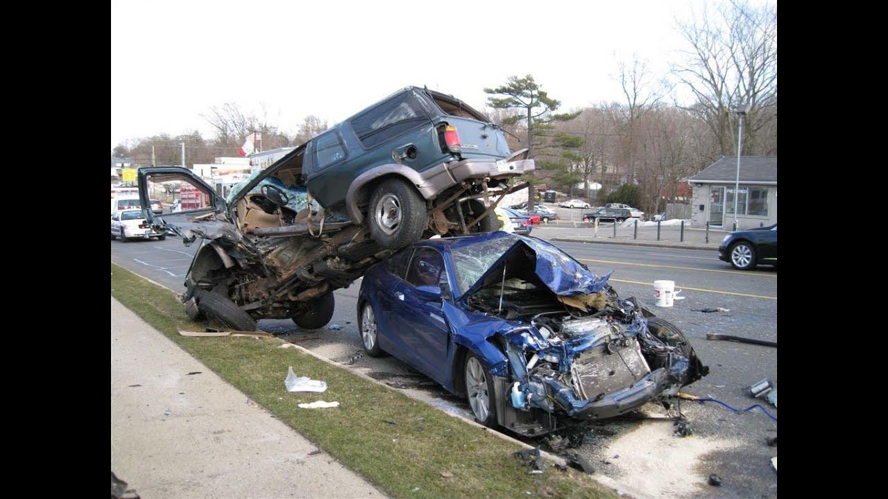 Car Wrecks: FATAL* Car Crash* 'Caught On Camera'*