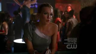 Melrose Place Katie Cassidy & Wendy Glenn kiss (HD720p)