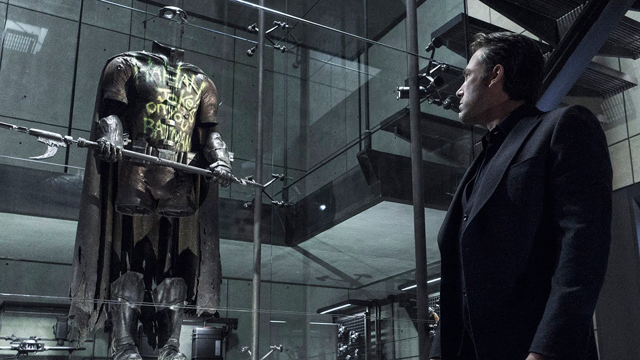 Image result for robin's suit in batman vs superman