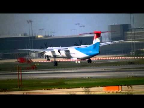 Luxair Dash 8 Q400 crosswind landing Barcelona-El Prat RW25R [HD]