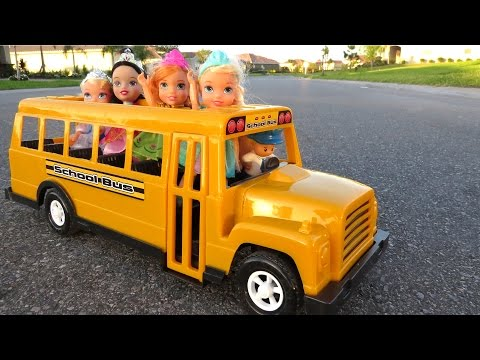 SCHOOL ! Elsa & Anna toddlers – Singing – Alphabet – Math problems – teacher Barbie