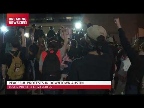 LIVE: Peaceful protesters, Austin police come together and m
