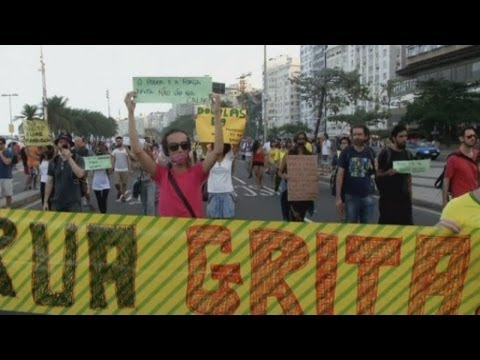 Anti-World Cup Protest: 100 demonstrators wear gags over their mouths