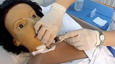 기관절개관간호