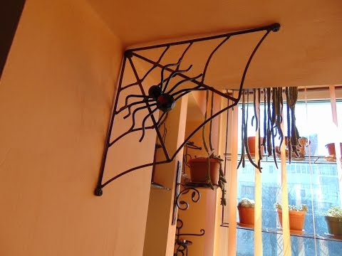 Making a decorative spider web