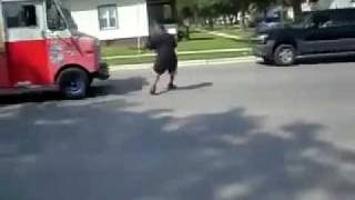 Dougie Going Wrong w. Ice Cream Truck (It's A SmashHit)