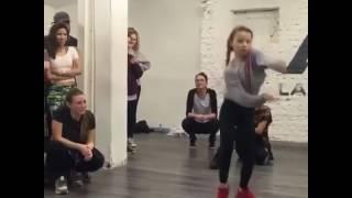 Ed Sheeran - Shape of you - Dance | by little girl - so lit