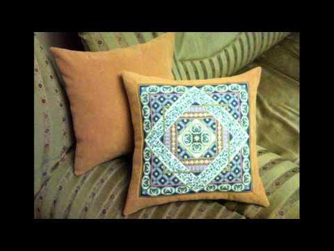 Винтажные диванные подушки в технике лоскутного шитья