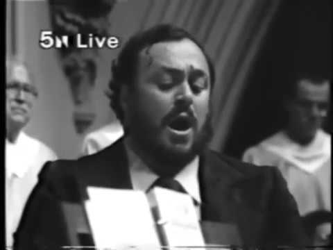 Ave Maria (Schubert) Luciano Pavarotti 1979 Pope JP II Chicago Holy Name Cathedral FIXED Audio
