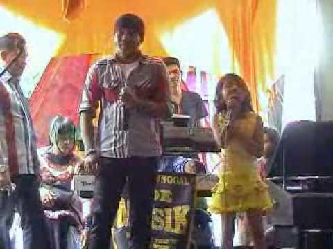 rizal ocu feat cici ayah babini duo (kocak)