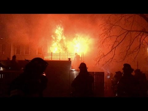 FDNY BATTLING MAJOR 7TH ALARM FIRE ON LIBERTY AVENUE IN THE RICHMOND HILLS AREA OF QUEENS, NEW YORK.