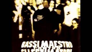 5. Piccolo Bassi ft- La Pina - Contro gli Estimatori | Bassi Maestro 1996 |