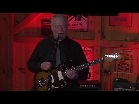 The Ventures Live at Daryls House - Sleep Walk
