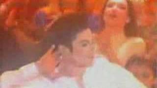 Michael Jackson World Music Awards 1996 - EARTH SONG