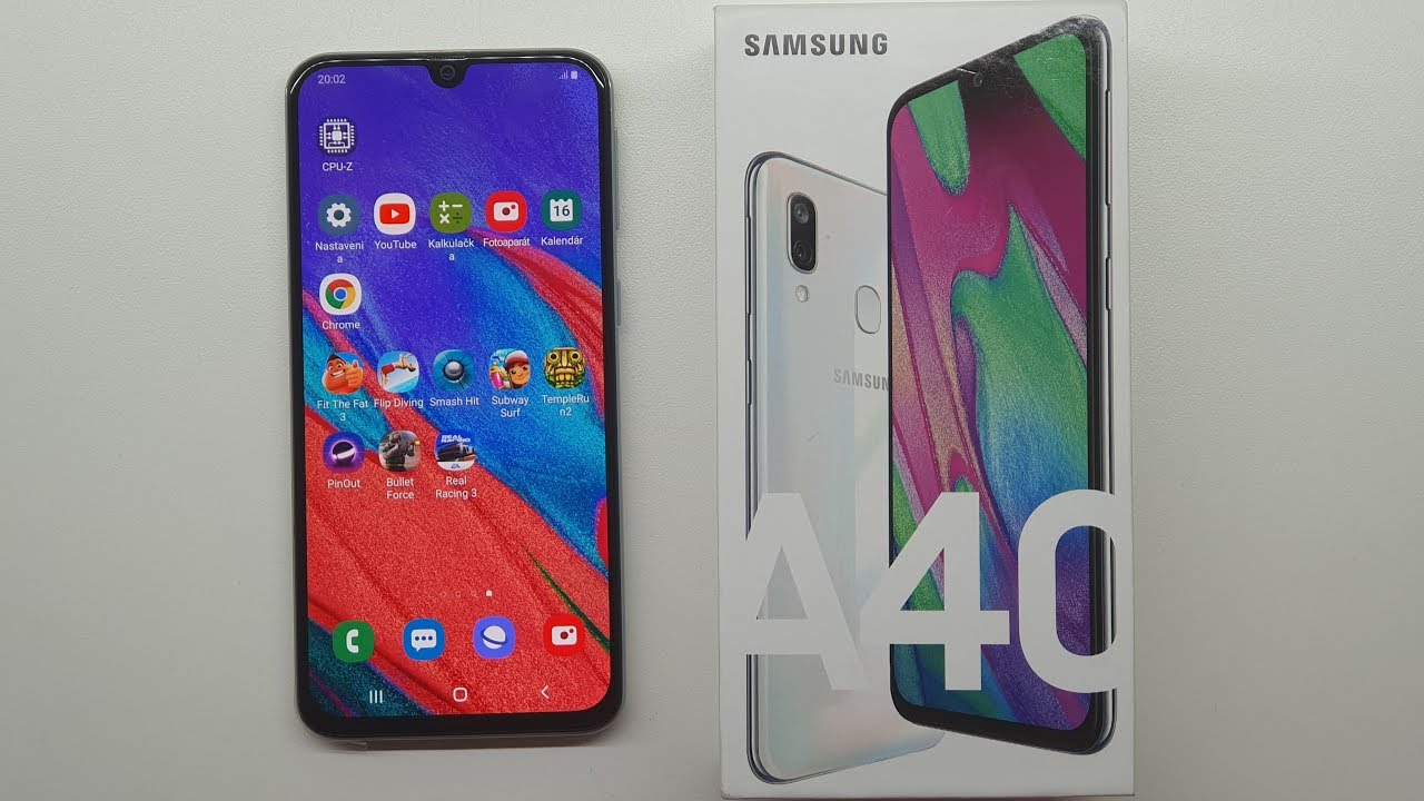 Samsung Galaxy A40 - UNBOXING & FIRST START!!! (web,youtube,game)