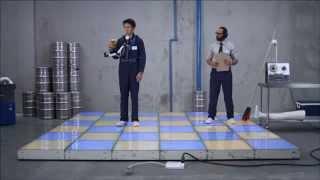 How to dance with a beer / Очень нужный аппарат для любителей танцев с бокалом
