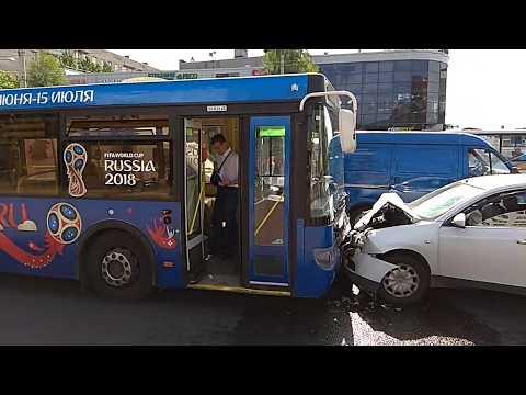Авария Санкт-Петербург угол Белы Куна и Бухарестской 27 июня 2018