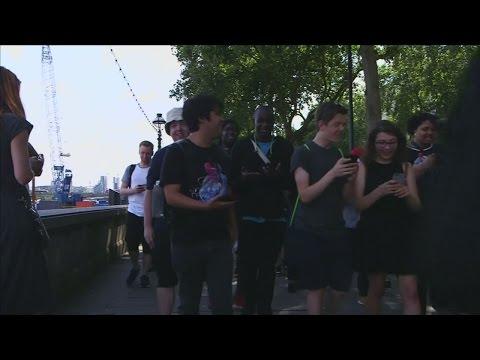 Hundreds flock to Trafalgar Square on an epic hunt for Pokemon