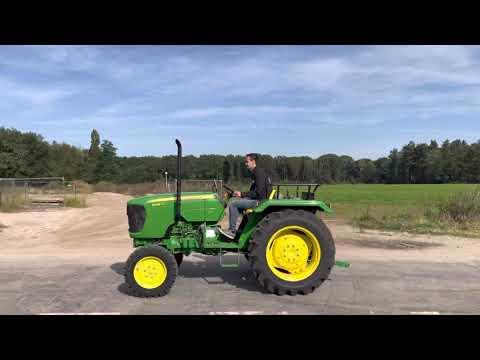 Used heavy machinery John Deere 5036D Traktor