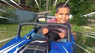 Андрей на детском мини байке застрял в песке и вытаскивает его на квадрике
