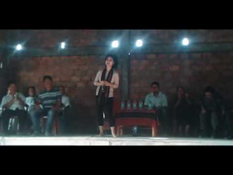Mami varte  performing  at Mahur 2017