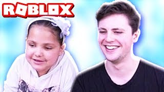 SHE TEACHES ME TO PLAY ROBLOX