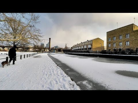 London Snow and Ice.  A walk Along The Frozen Regent's Canal