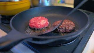 飛騨牛95%ホルモン5%の世界一の牛100%ハンバーグを作るなど