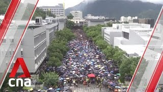 Hong Kong students boycott classes in protest