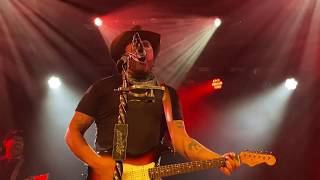 """Randy Houser """"What Whiskey Does"""" into Waylon's """"Good Hearted Woman"""" Live in Boston, Dec 12, 2019"""