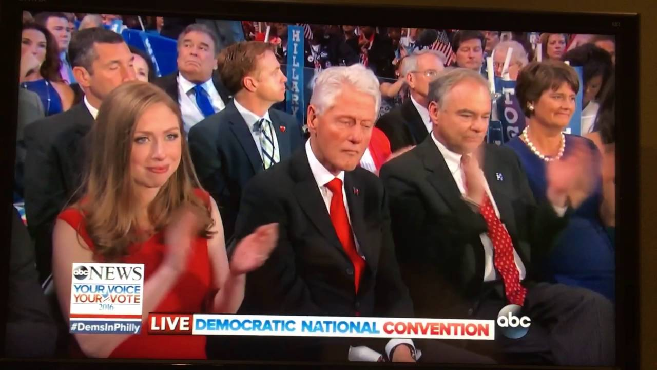 """Bill Clinton """"zafascynowany"""" przemówieniem swojej żony"""