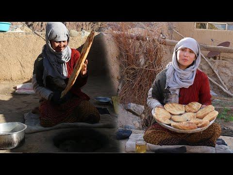 .طرز تهیه نان در تنور خانگی Village life Afghanistan
