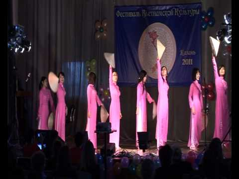 """"""" Ngợi ca quê hương em"""" - đội múa trường Đại học Tổng hợp Kazan"""