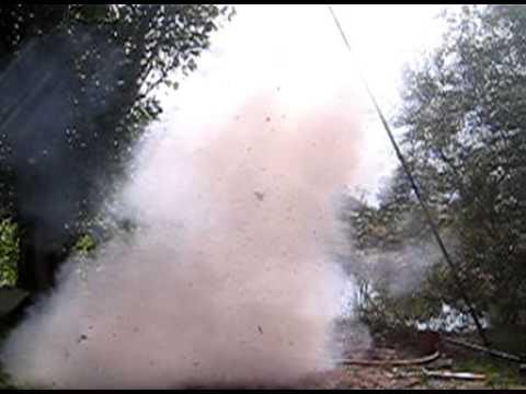 Explosion m lange chlorate de soude sucre youtube - Desherbant chlorate de soude ...
