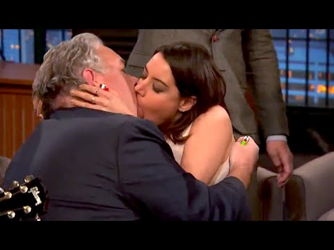 April & Jerry MAKE OUT? Parks and Rec FINALE | What's Trending Now
