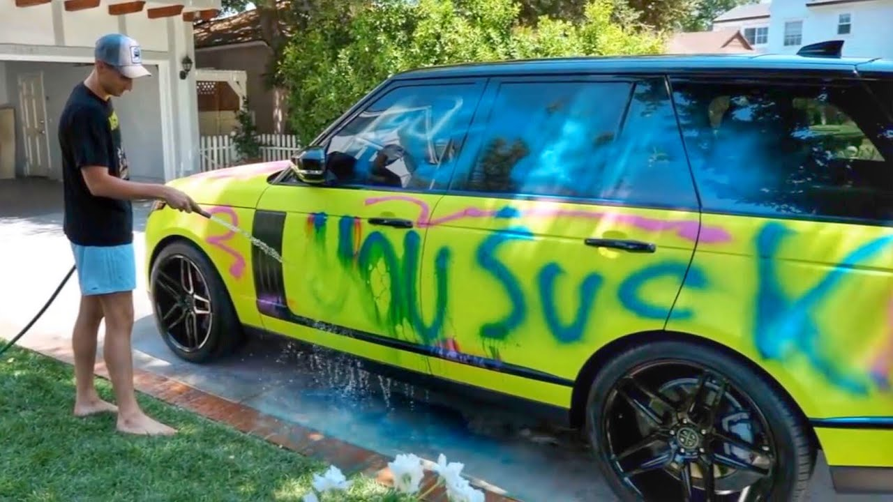 someone-spray-painted-my-new-car