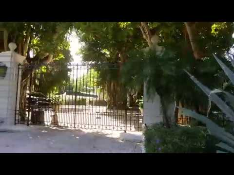 Barry Gibb House Exterior In Miami Beach Florida Youtube