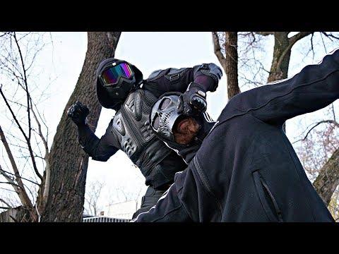 Прыгун снял маску с дедушки Скряги