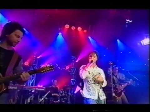 Emmanuel Carella - Don't Say A Word (Rove Live)